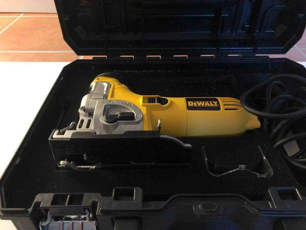 DeWalt DW333KT Serra de recortes 701W