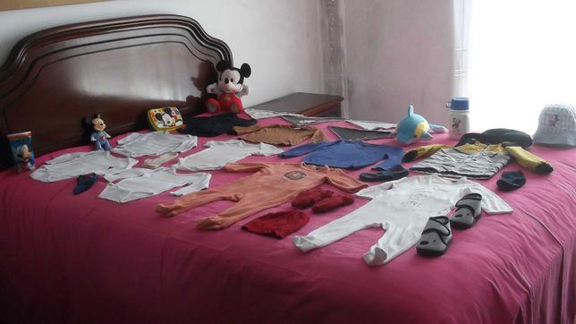 lote de roupa de menino bebé a baleia