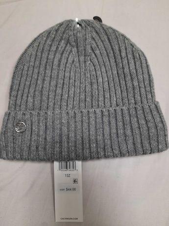 Женская шапка , Calvin Klein.