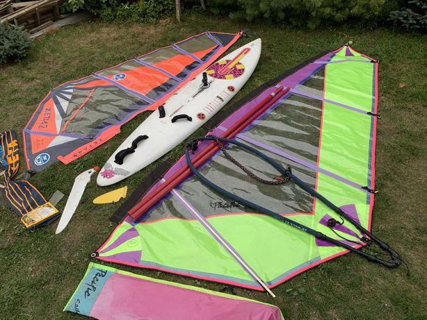 Deska windsurfingowa,mieczowa,zestaw z dwoma żaglami