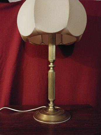 Duża stojąca lampa mosiężna