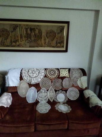 Vários Naperons diversos em crochet e bordados