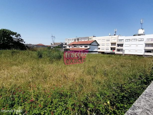 Terreno Urbano - Escapães