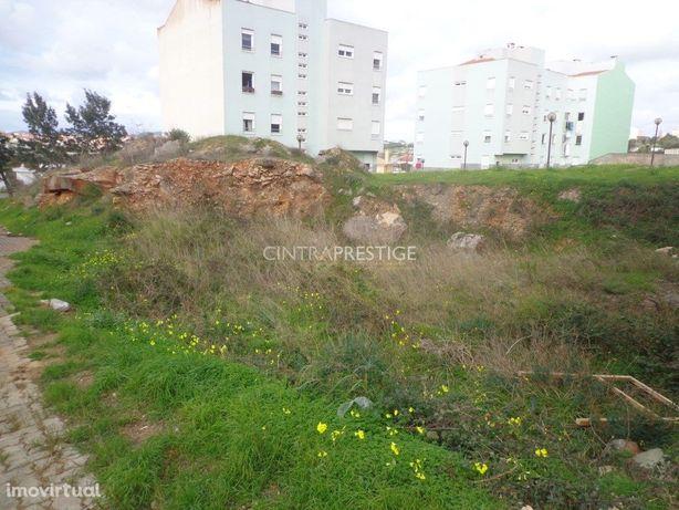 Oeiras,Porto Salvo terreno com 180m2 para construção de P...