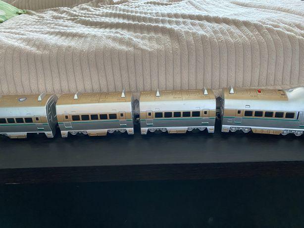 Поезд на батарейках