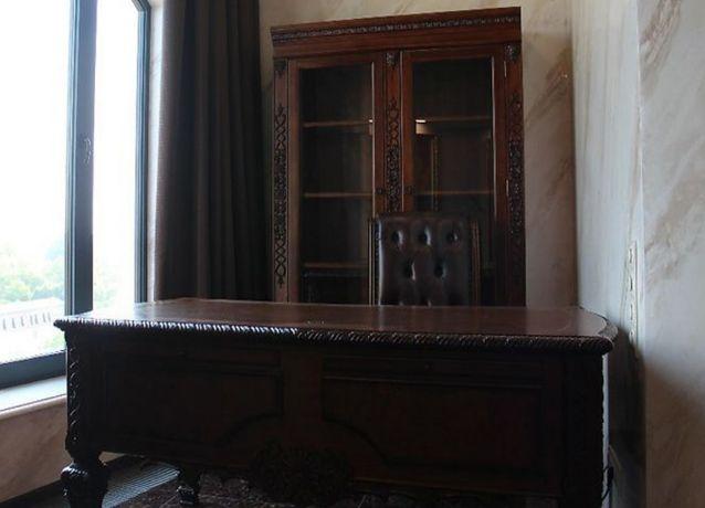 Письменный стол руководителя Эксклюзив Красное дерево