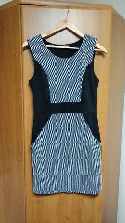 Sukienka wyszczuplająca, rozmiar z metki L/XL
