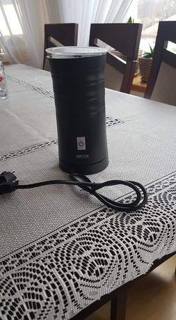 Elektryczny spieniacz do kawy