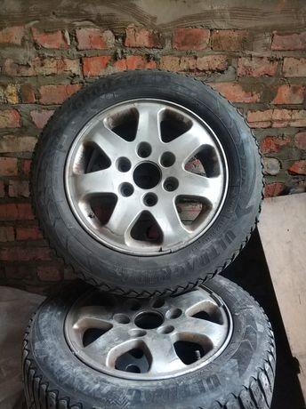 Продам комплект колесо з зимовою резиною