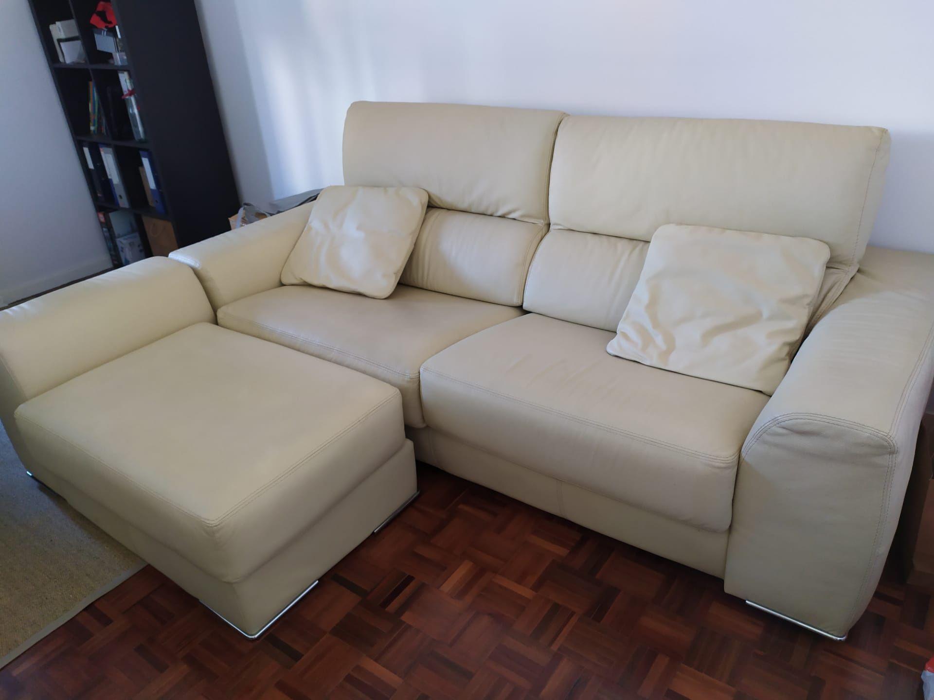 Sofa pele bege com chaise longue