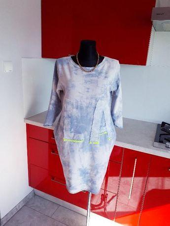 Dresowa włoska marmurkowa sukienka z jeansowymi naszywkami HIT!