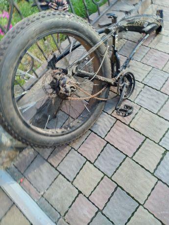 Велосипеди на запчастини