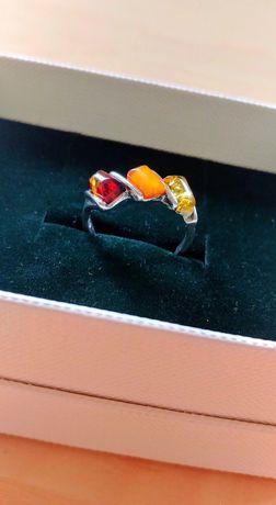Piękny pierścionek ze srebra z bursztynami. Wysoka Próba!