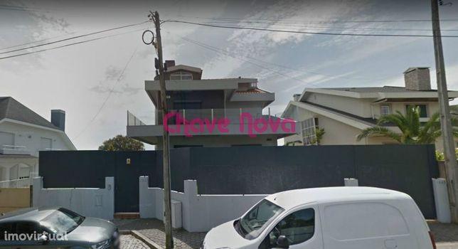Moradia Isolada T6 em Sermonde