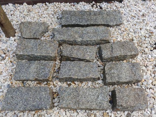 Kamień granit krawężnik , obrzeża .