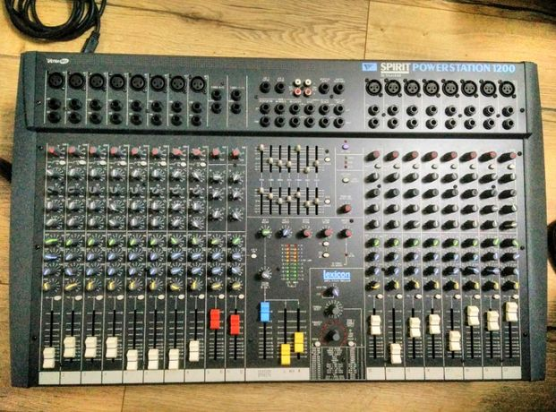 "Mesa de Mistura SoundCraft amplificada ""Spirit PowerStation 1200"""