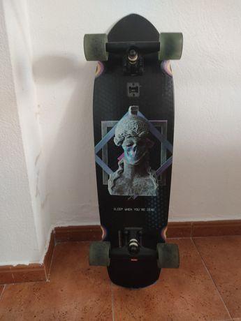 GLOBE Crusier Skate Big Blazer H+ Dead Athena 32''