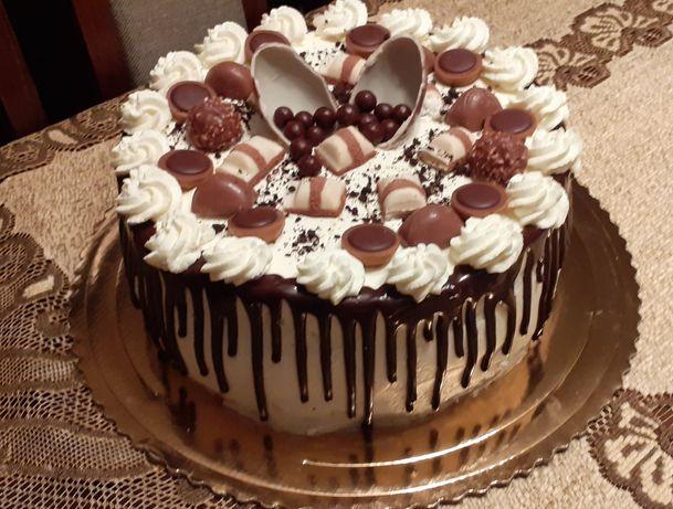 Torty i ciasta na każdą okazję.