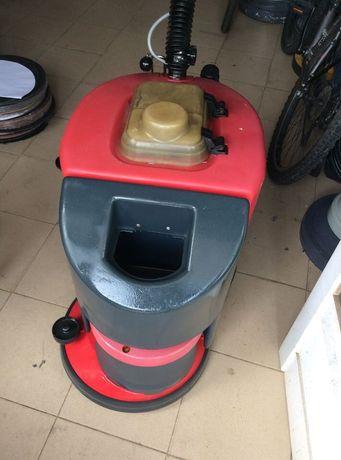Lavadora aspiradora elétrica Cleanfix
