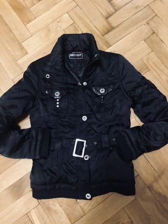 Куртка на девочку подростка . Размер С