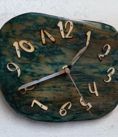 Zegar wykonany ręcznie niepowtarzalny wzór.