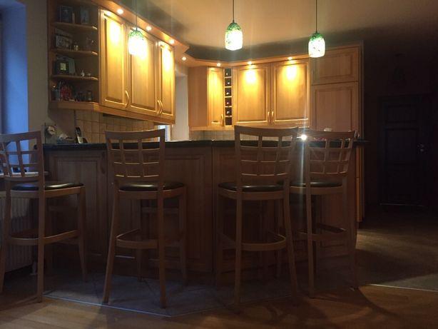 Kuchnia z frontami bukowymi + sprzęty AGD + bufet z granitowym blatem