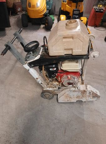 Przecinarka spalinowa do betonu Tyrolit FSG513 Honda GX390