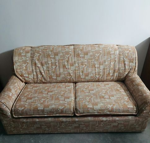 Sofá com cama incluída