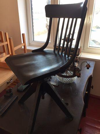 Stare krzesło obrotowe