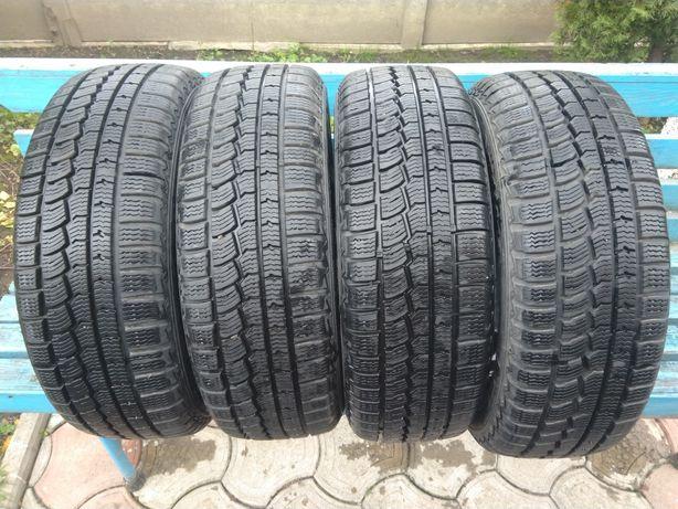 Шини, гума зимова 185/60 r15