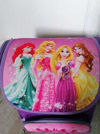 Продам рюкзак для девочки бу