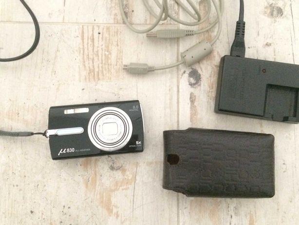Máquina fotográfica   Olympus 830 all-weather + Acessórios