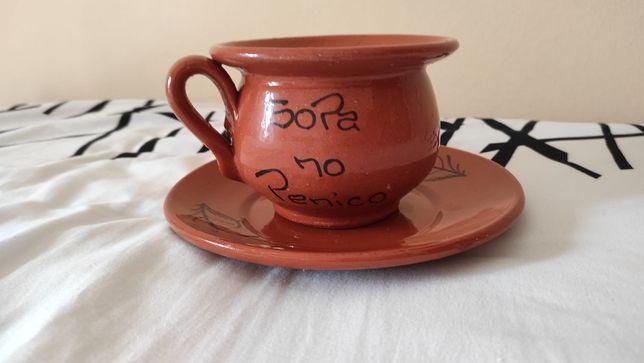 Tigela de barro para sopa