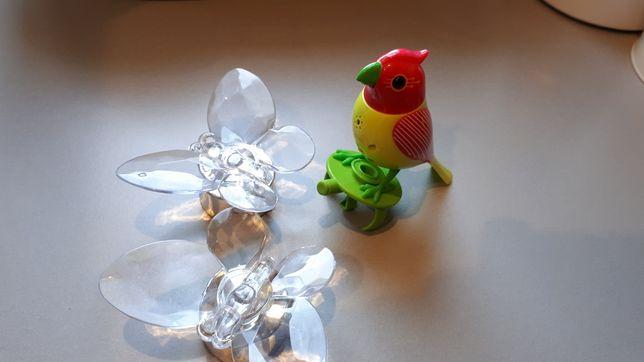 Motylki dekoracyjne  i zabawka ćwierkający ptaszek