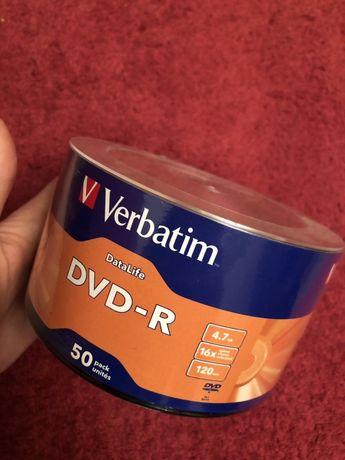 Продам упаковку дисков Verbatim DVD-R
