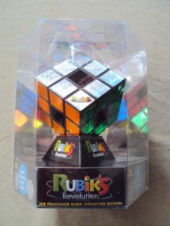 6 Cubos mágicos Rubik Revolution