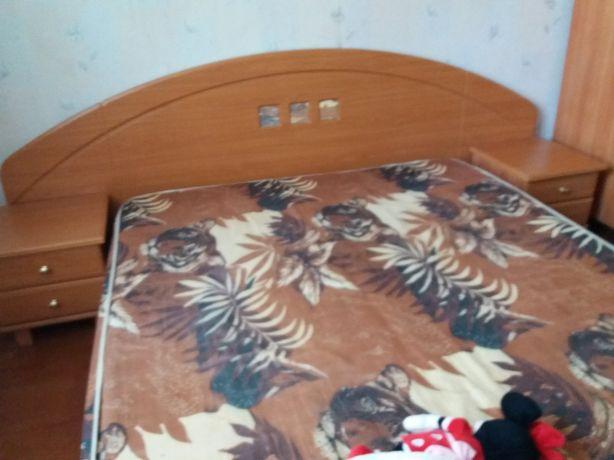 Спальный комплект шкаф купе матрас двуспальная кровать тумбочки шифонь