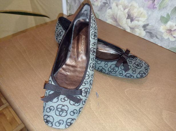 Туфлі Gloria Ortiz, Іспані,