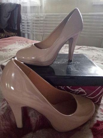 ласковые туфли, нюдового цвета,