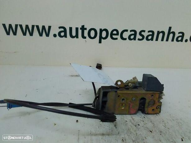 Fecho Da Porta Frente Dto Ford Puma (Ec_)