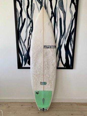Surf PYZEL Radius + quilhas Futures AM1
