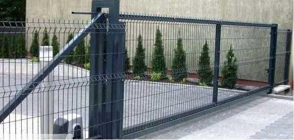 Brama przesuwna panelowa samonośna ogrodzenie panelowe podmurówka