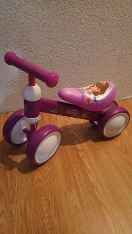 Беговел, велобег, толкатор для девочки на 1 год - 2 года