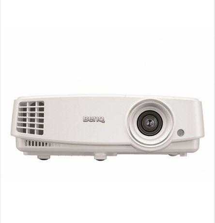 Projektor BENQ TH530 + Ekran projekc. 4WORLD 203X152 + uchwyt ART P101