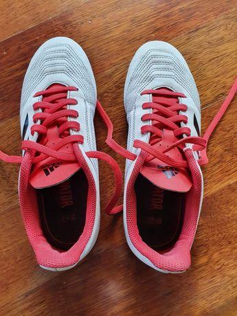 Buty piłkarskie korki roz.35 PREDATOR 18.4