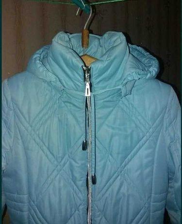 Продам зимнее пальто спортивного типа (облегает по фигуре)