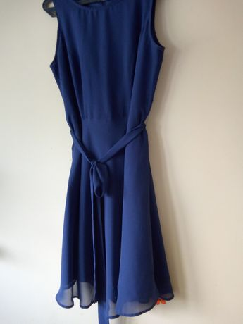 Urocza zwiewna sukienka firmy Bodyflirt
