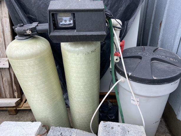 Система для очистки воды Pentair и солевой бак.