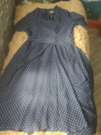 Платье новое ,чёрное в мелкий горошек,с поясом ,50 размер ,цена150 гр,