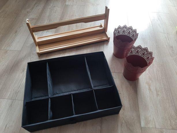 Ikea pudełko z podziałkami, doniczki czerwone, uchwyt na papier